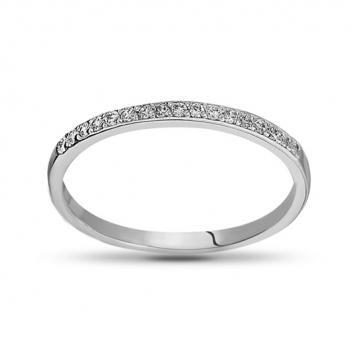 Кольцо с фианитами из серебра