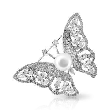 Брошь Бабочка из серебра с жемчугом и фианитами